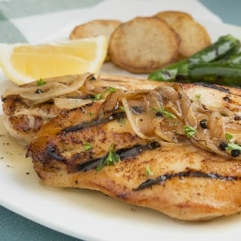 Recipe Black Pepper Chicken Fillets with Onion