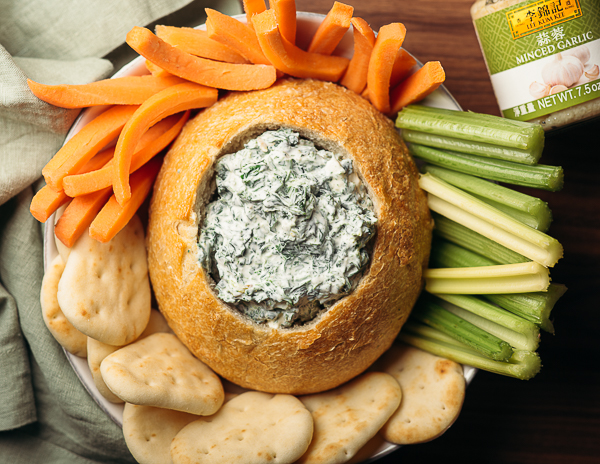 Recipe Garlic & Spinach Dip in a Bread Bowl