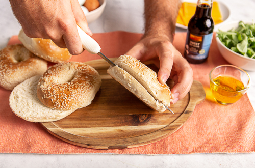 Recipe Onion & Bagel Sandwich_Step 5