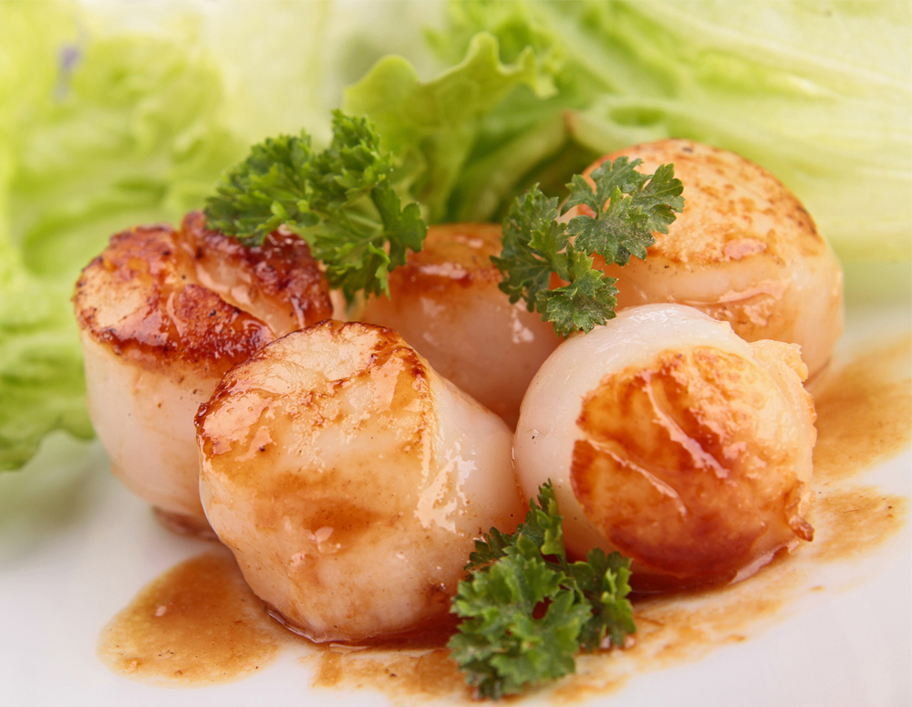 Recipe Seared Scallops with Sauteed Napa Cabbage and Shitake Mushrooms