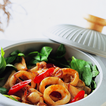 Recipe Squid and Onion Hot Pot with Chili Garlic Sauce