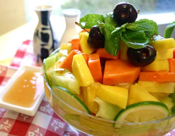 Recipe Tropical Fruit Mix with Plum Sauce
